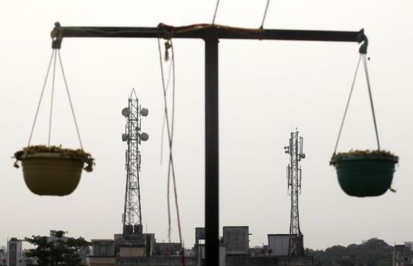 RIL, seven others apply to bid for mobile airwaves - sources