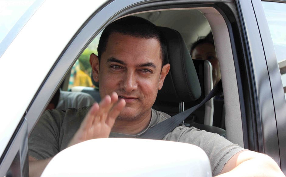 Aamir Khan returns after celebrates his 50th birthday party with Bollywood celebrities in Lonavala, India on March 15, 2015.  Solaris Images