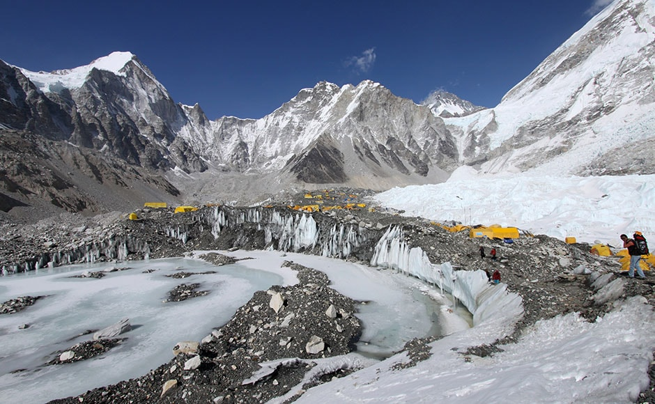 Avalanche triggered by Nepal earthquake sweeps Everest base camp, killing at least 17
