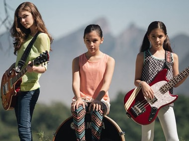 Daniela, Paulina, and Alejandra. Image Courtesy:TheWarningBand.com