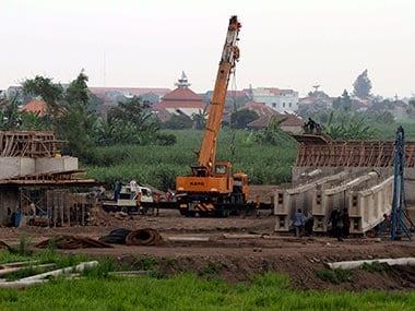 BJP MP Ahluwalia to head joint parliamentary panel on land bill