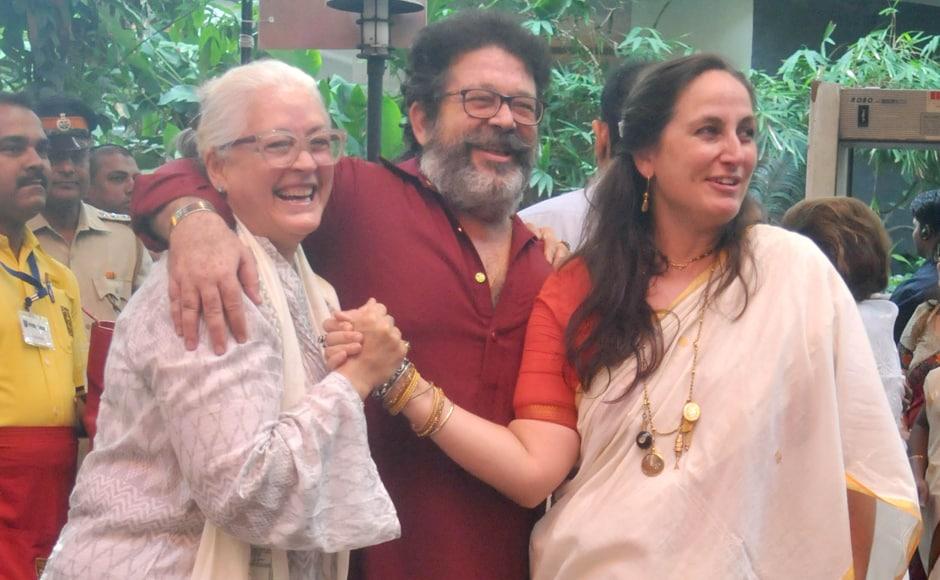 Nafisa Ali with Shashi Kapoor's son Kunal and daughter Sanjana. Sachin Gokhale/Firstpost