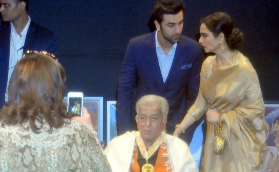 Ranbir Kapoor and Rekha chat as Shashi Kapoor poses for a photo. Sachin Gokhale/Firstpost