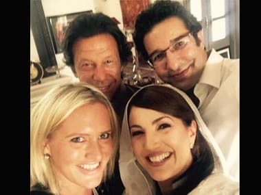 When Pakistan cricket legends Imran and Wasim clicked a selfie of epic proportions