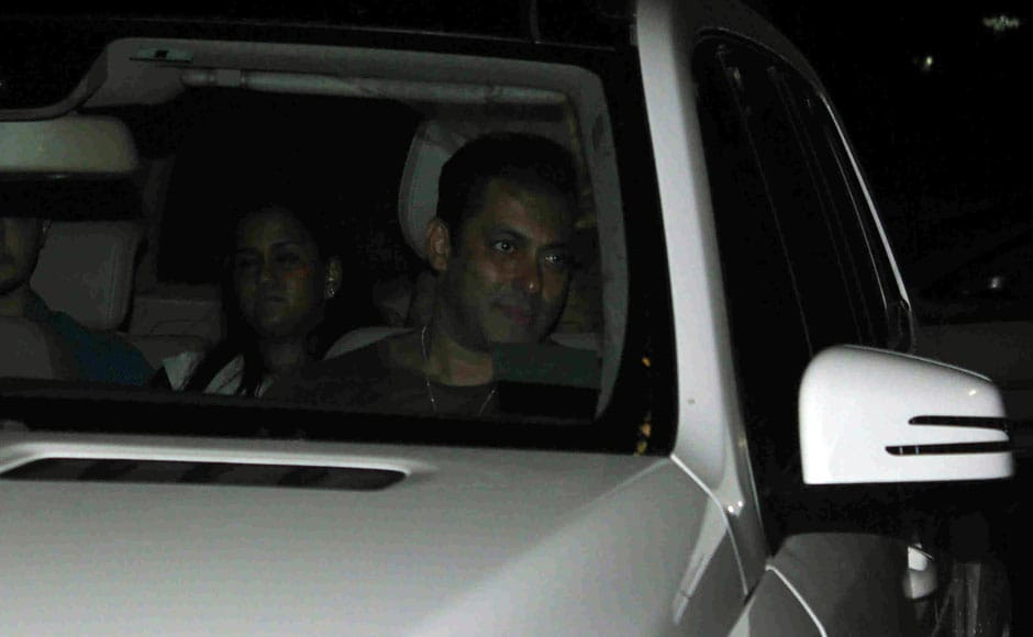 Aaj ki Party: Salman, family and friends attend special screening of Bajrangi Bhaijaan