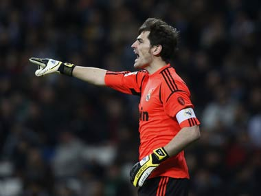 Portuguese club FC Porto want to keep Iker Casillas despite goalkeeper suffering heart attack during training session