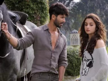 Alia Bhatt and Shahid Kapoor in Shaandaar: Screengrab from YouTube