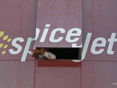 Budget carrier SpiceJet plans to add five more 90-seater Bombardier Q400s to its fleet