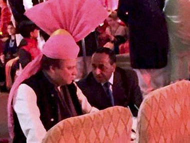 Newfound bromance? Sharif dons Rajasthani pink turban gifted to him by Modi