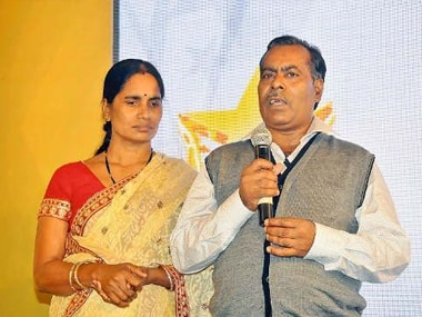 Jyoti Singhs parents detained for second day after protests over juveniles release