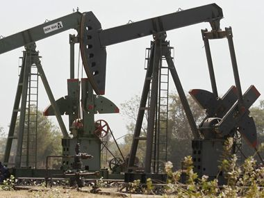 Shale vs crude: Why oil prices are on a free fall even as Opec members suffer