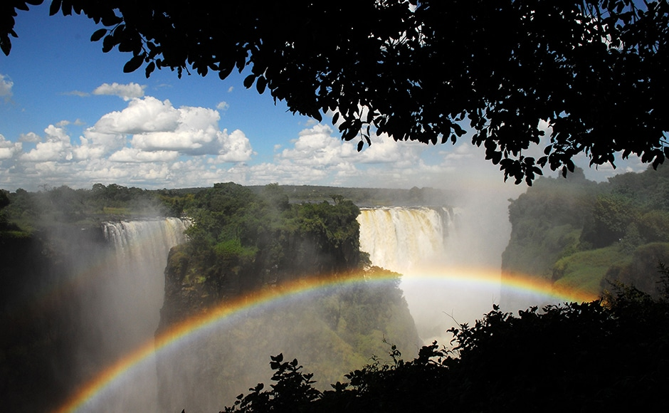 Victoria Falls, Zambia/Zimbabwe: From a 1,700-metre-wide ledge, the Zambezi River plunges 108 metres down into a gorge. Measured by height and width, it creates the world's largest curtain of water. A circular trail leads past the falls to the other side of the gorge. But, your attention please: The mists are as dense as a shower, so expect to get wet, and keep your cameras safely tucked away as you walk. In Livingstone (Zambia) and Victoria Falls (Zimbabwe), there are good, and in some cases expensive, accommodations. DPA.