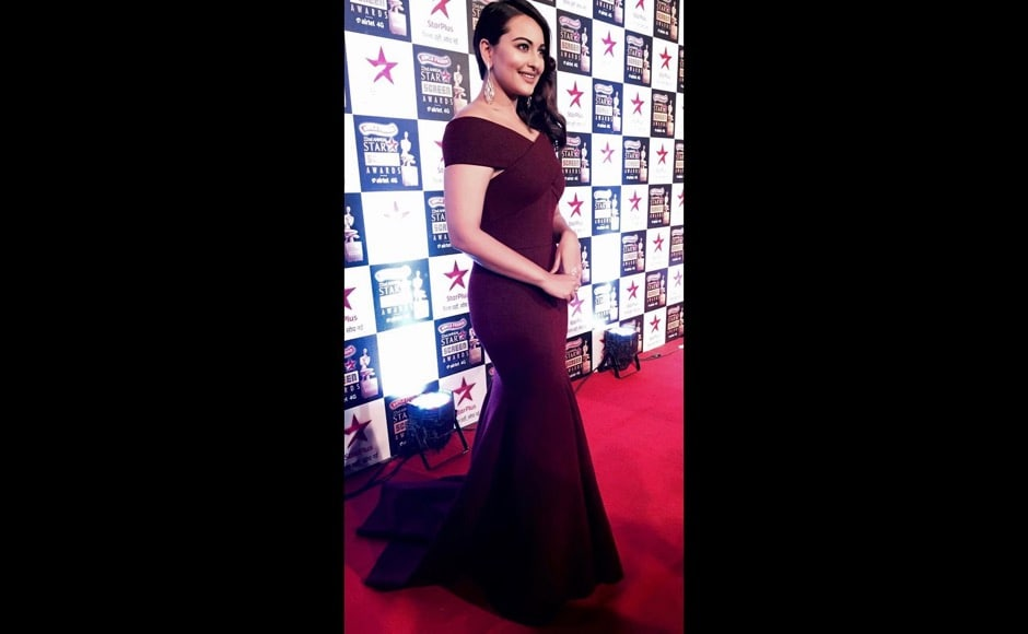 Sonakshi Sinha looked like a million bucks for the Star Screen Awards. Image courtesy: @aslisona/Instagram