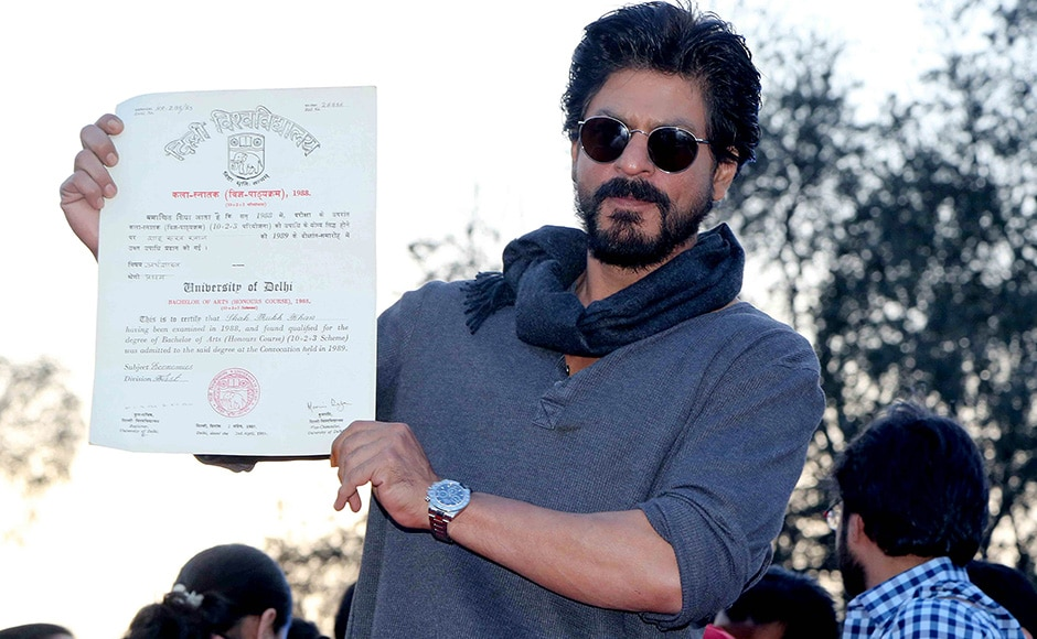 Bollywood actor Shahrukh Khan shows his graduation certificate during the promotion of his upcoming film Fan at Hans Raj College in New Delhi, India on February 16, 2016. Shahrukh collected his certificate, 28 years after passing out from Hans Raj College. (Jyoti Kapoor/SOLARIS IMAGES)