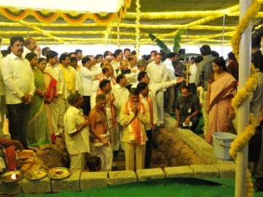 Chief Minister N Chandrababu Naidu laying the foundation of the temporary secretariat of Andhra Pradesh. Image courtesy: A Saye Shekhar/Firstpost