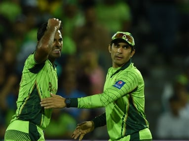 Pakistan bowler Wahab Riaz (left) and Misbah-ul Haq during an altercation with Australian batsman Shane Watson during the 2015 World Cup quarter-final in Adelaide on March 20, 2015. AFP
