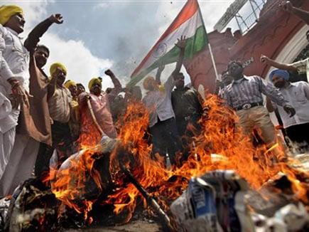 BJP MP Kushwaha hits out at Congress for berating VD Sawarkar