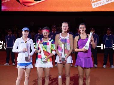 Martina Hingis, Sania Mirza and the winners doubles: Kristina Mladenovic, Caroline Garcia. Image courtesy: Porsche Tennis website
