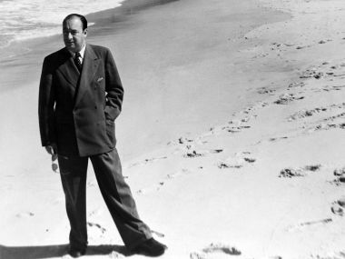 Chilean poet Pablo Neruda did not die of cancer, say experts; may have been murdered by Pinochet regime