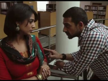 Mahie Gill and Arunoday Singh. Screengrab from Youtube.
