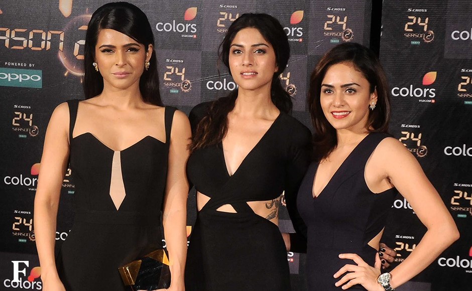 Madhurima Tuli posed with co-stars Sapna Pabbi and Amruta Khanvilkar on the red carpet. Image by Sachin Gokhale/Firstpost