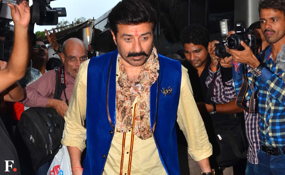 "Sunny Deol spotted at their upcoming movie "" Bhaiyyaji Superhit '' at Borivali Sachin Gokhale/Firstpost"