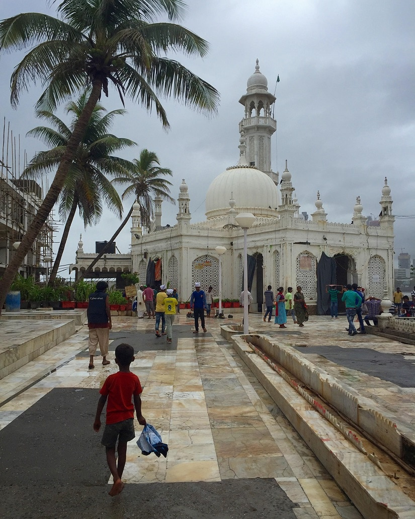 At Pia Haji Ali, image by Farah Mahbub