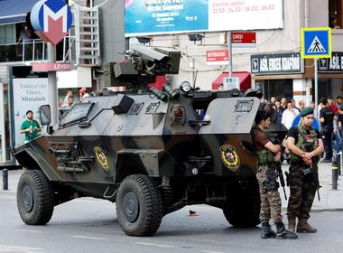 Turkey extends police power as state under emergency, shutters 1000 schools