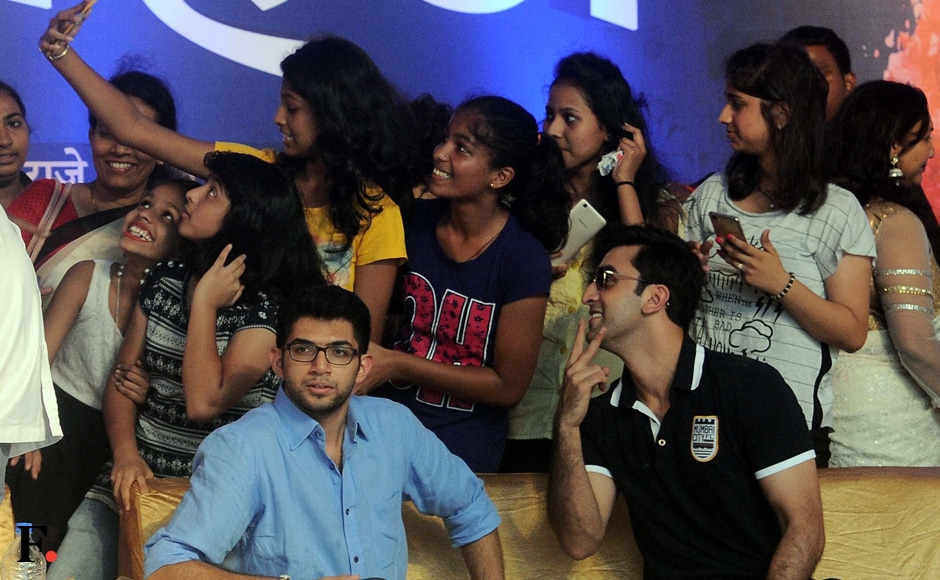 Ranbir-with-fans