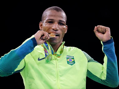 Rio Olympics 2016: Vegetable seller becomes national hero after winning Brazils first boxing gold