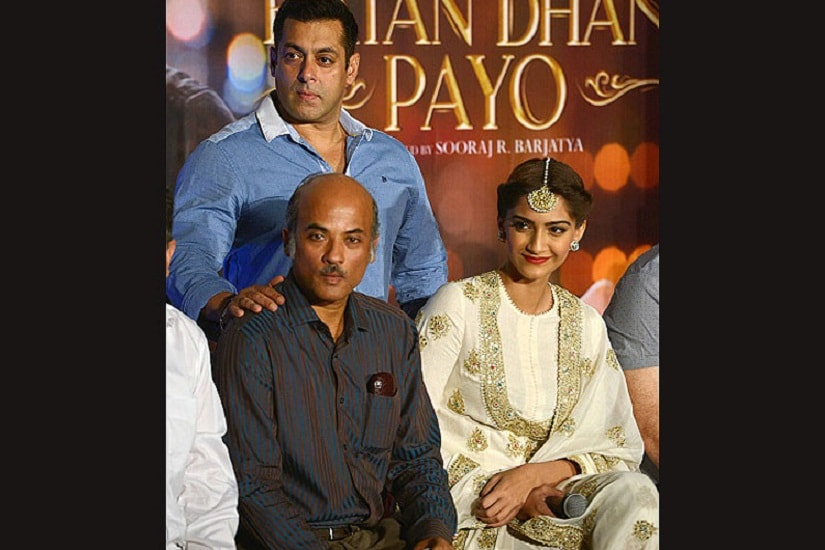 Salman Khan with Sooraj Barjatya and Sonam Kapoor at a promotional event for 'Prem Ratan Dhan Paayo'