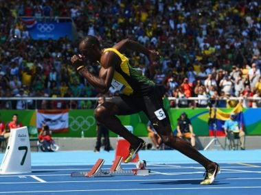 Usain Bolt qualifies for semi-finals of 200m sprint to keep triple triple hopes alive at Rio 2016 Olympics