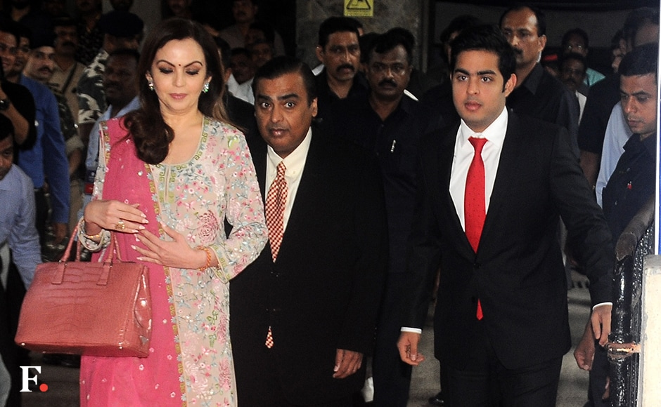 Devoting an hour of his speech at the RIL's 42th Annual General Meeting, the billionaire industrialist said Jio is targeting 100 million users in a shortest possible time. Ambani was present with his wife Nita Ambani and son Akash Ambani at the event. Sachin Gokhale/Firstpost