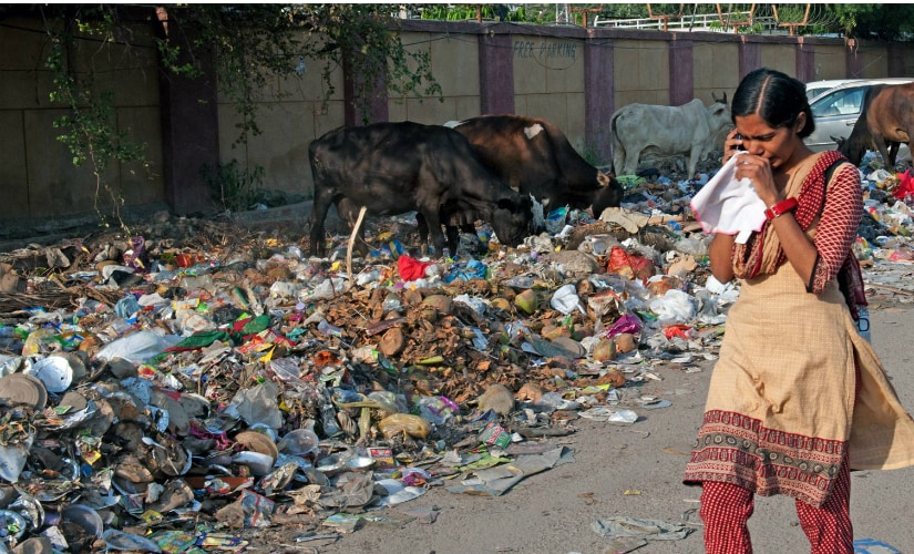 Garbage dump at Karawal Nagar. (Photos: Debobrat Ghose and Naresh Sharma)