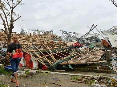 Typhoon Nock-Ten set to hit Philippines on 25 December