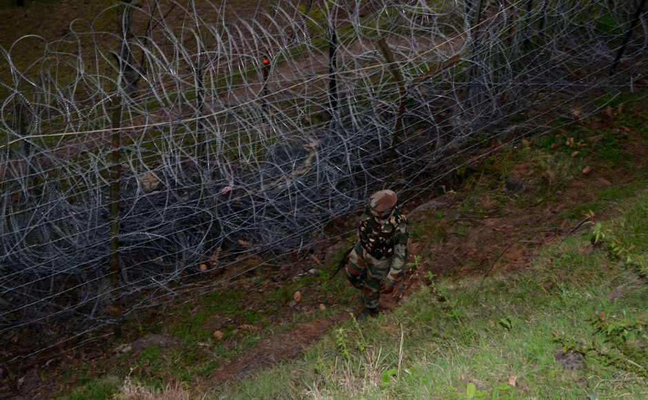 Heavy firing and mortar shelling in Saujian, Shahpur-Kerni, Mandi and KG sectors in Poonch district on Monday. Firstpost