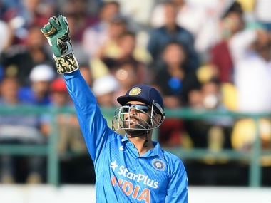 India vs New Zealand: Suresh Rainas return to nets puts MS Dhoni in selection dilemma