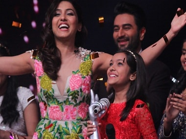 Neeti Mohan with Nishtha Sharma at The Voice India Kids Grand Finale