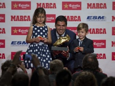 Barcelona striker Luis Suarez collects Golden Shoe award for 40-goal La Liga tally