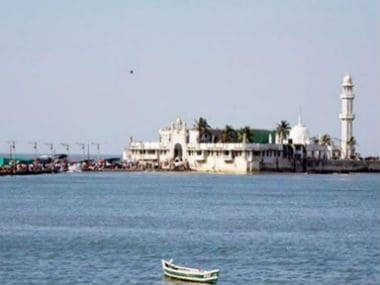 Women activists will re-enter Haji Ali dargah after 5 years
