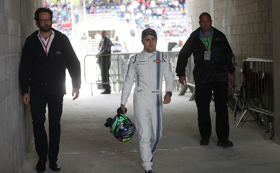 Brazilian GP: Felipe Massa receives guard of honour in final home race