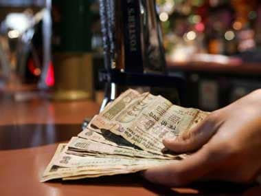 Rs 500, Rs 1,000 notes ban: Heres a quick guide on how to help the people around