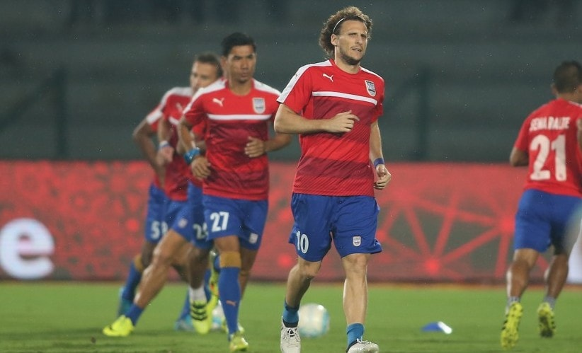 Mumbai City FC captain Diego Forlan in a training session with his teammates. ISL