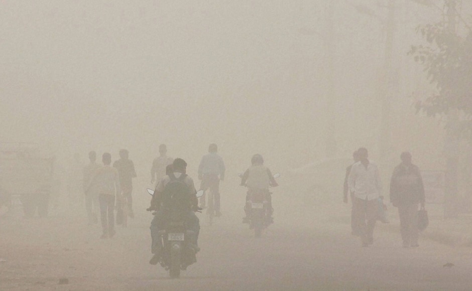 Prolonged exposure to severe category air may affect healthy people and seriously impact those with existing diseases while very poor category may cause respiratory illness. (Photo: PTI)