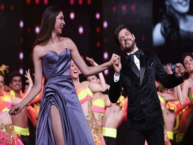 Shah Rukh Khan and Deepika Padukone perform at the Lux Golden Rose Awards.