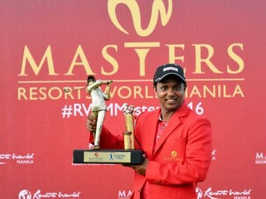 SSP Chawrasia poses with the trophy. Image courtesy: asiantour.com