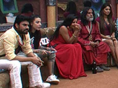 Contestants find out about the Viral Video task