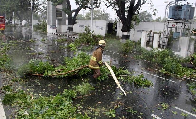 Cyclone Vardah creates havoc in Tamil Nadu, thousands displaced from their homes
