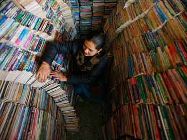 At 60, mobile book exhibition still spreading patriotism in rural India