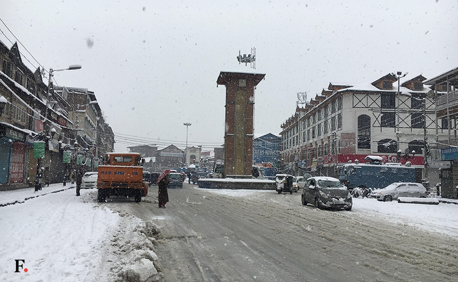 Normal life in Kashmir was thrown out of gear as snow continued for the fourth day, virtually cutting of Valley from rest of the country. Image courtesy Faisal Khan